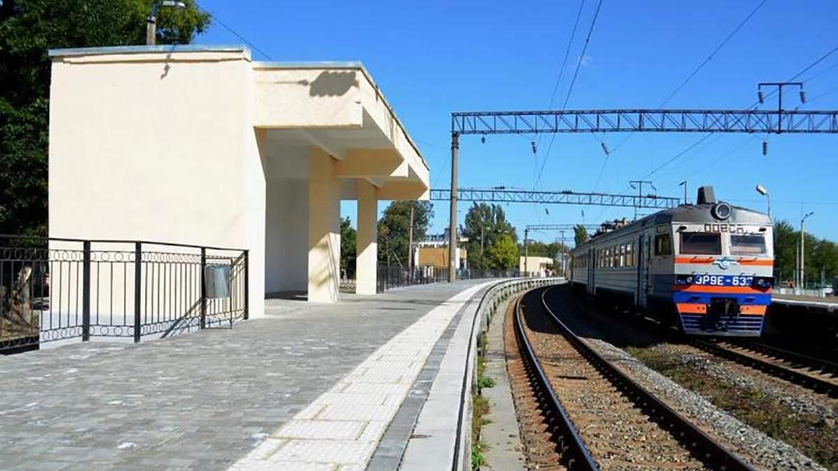 Під Одесою 81-річна пенсіонерка стрибнула під потяг