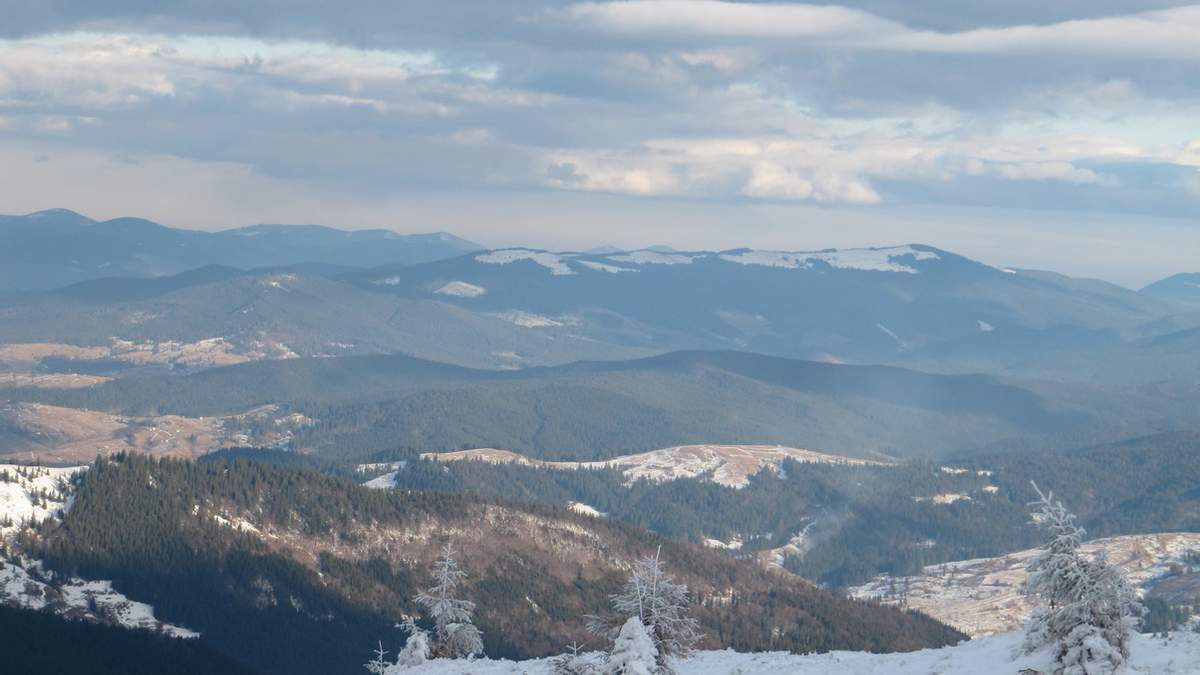 Карпатские вершины замело снегом 8 апреля 2021