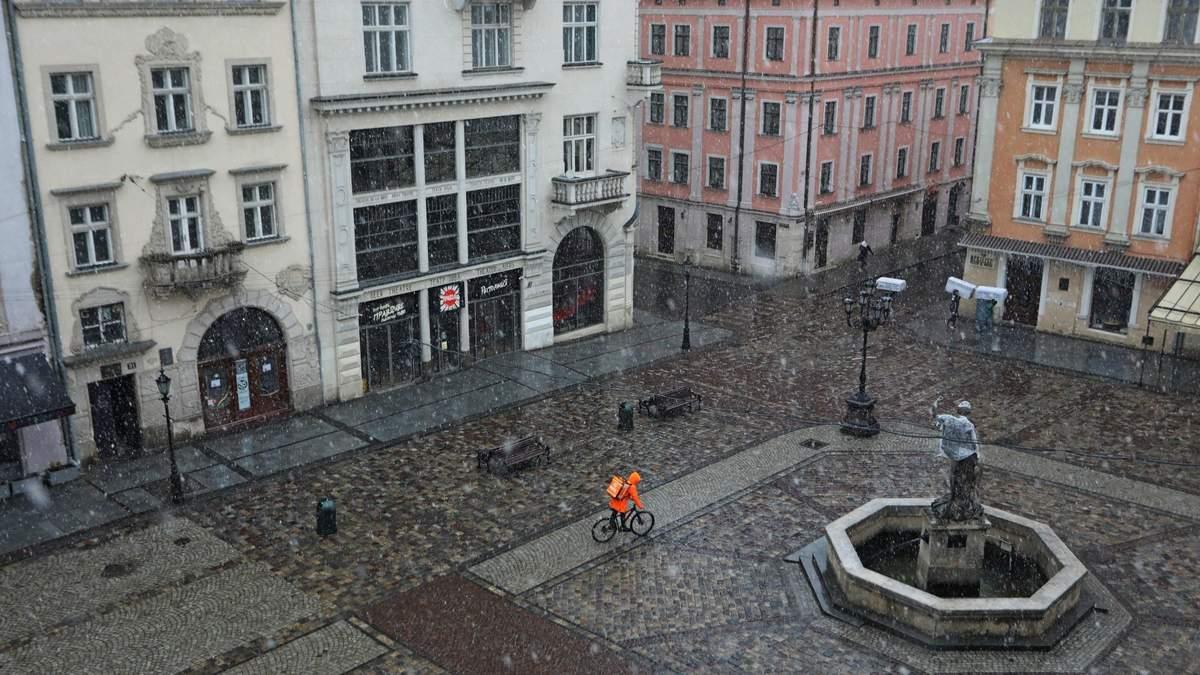Жесткий карантин во Львове продлили до 19 апреля 2021