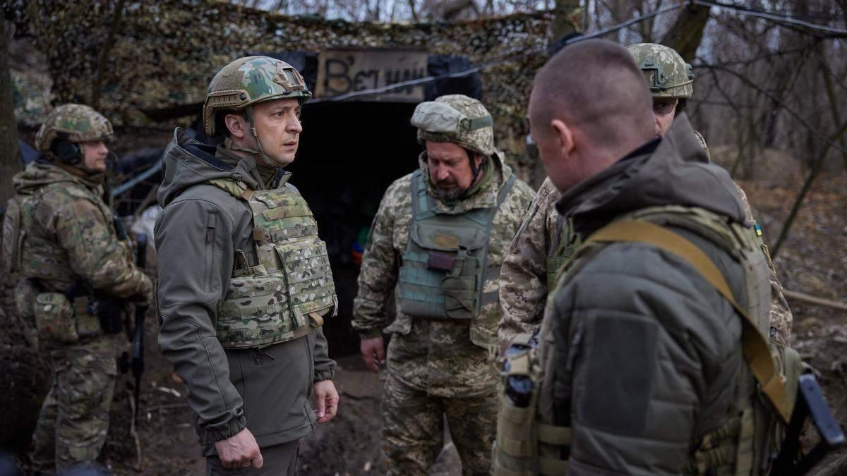 Зеленский посетил позиции ВСУ за 80 метров от боевиков