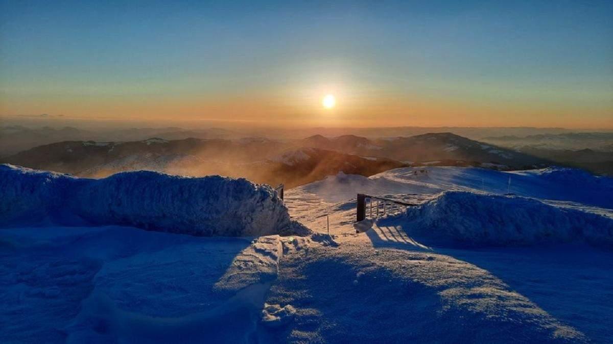 В Карпатах мороз до -11 градусов и угроза лавин 9 апреля 2021