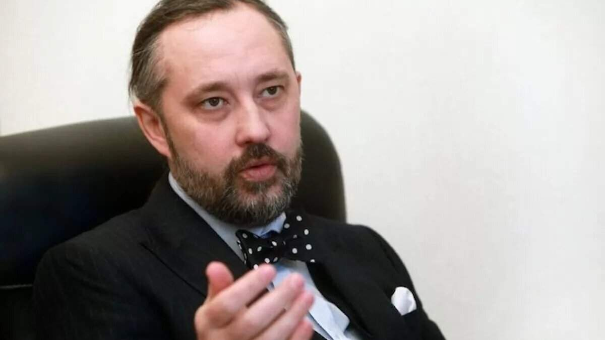 Судья КСУ Слиденко борется, чтобы его не выселили из государственной дачи