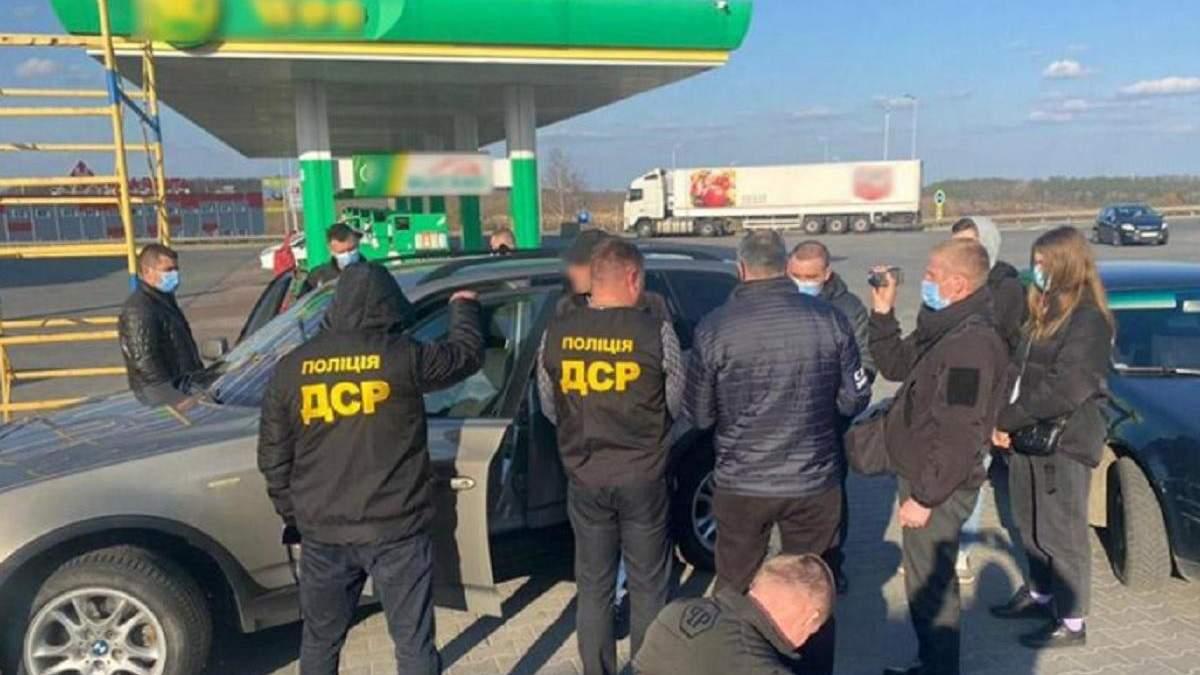 В Хмельницкой области полиция поймала на взятке главу ОТГ