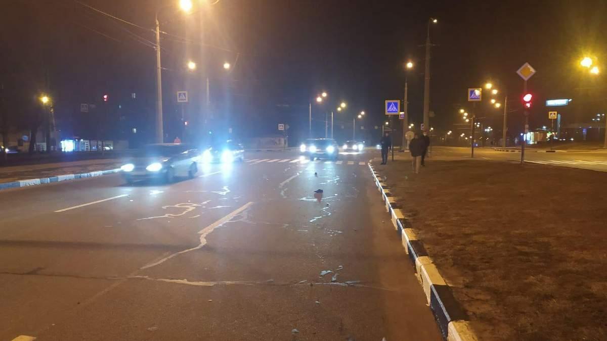 В Харькове водитель сбил полицейсього, протянул его 50 метров, – видео