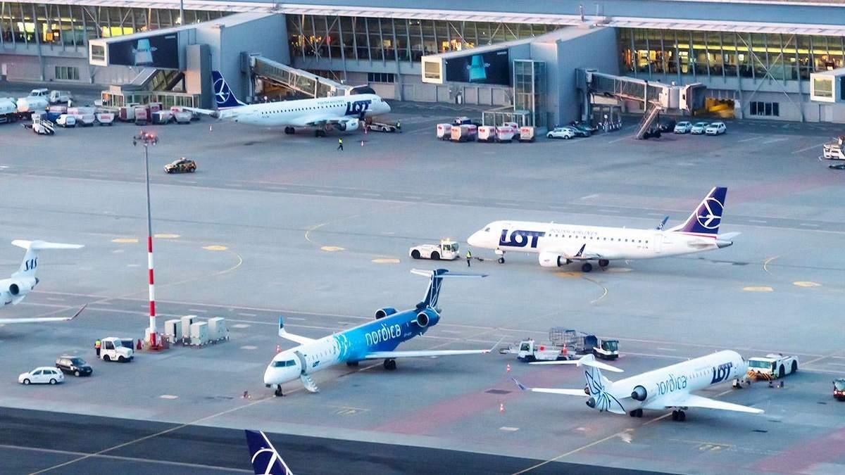 Взрывчатку в варшавском аэропорту искали в самолете из Киева