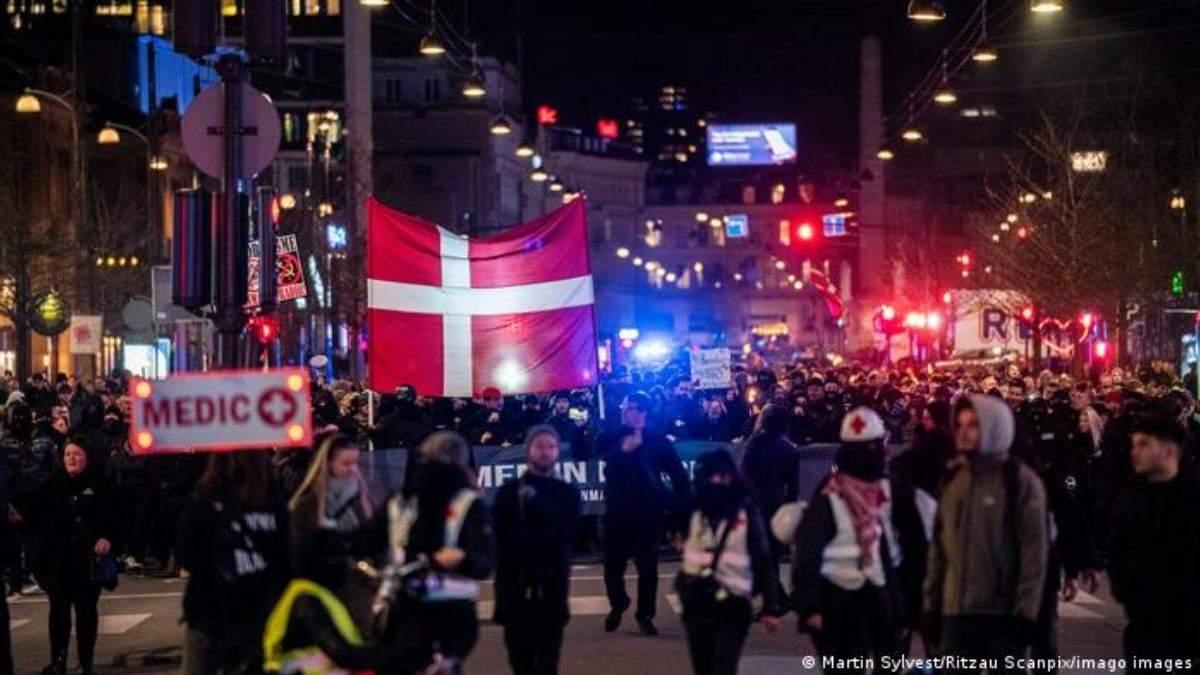В Европе - волна протестов против COVID-паспортов и карантина: видео