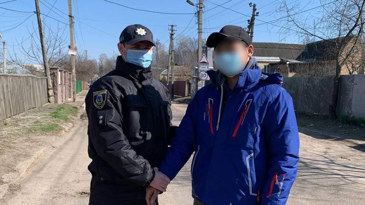 Ради развлечения: на Киевщине мужчина застрелил аиста – фото, видео