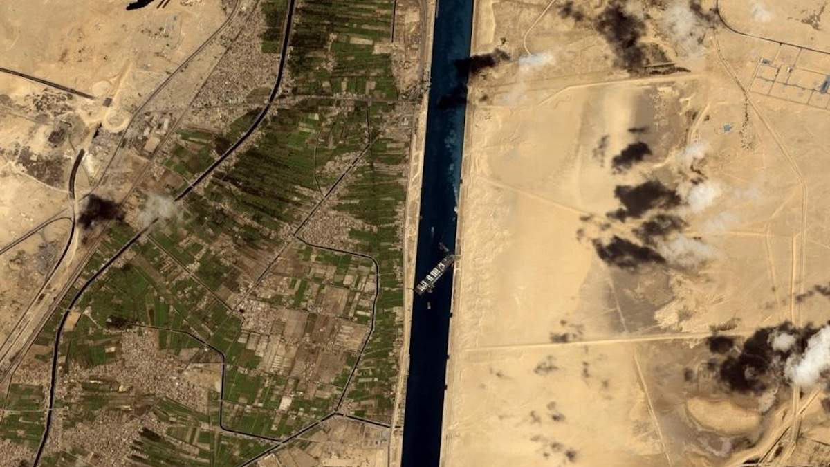 Египет задержал контейнеровоз Ever Given: хочет возмещения в миллиард долларов