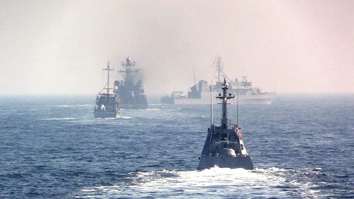 Росія відправила свої військові кораблі у Чорне море