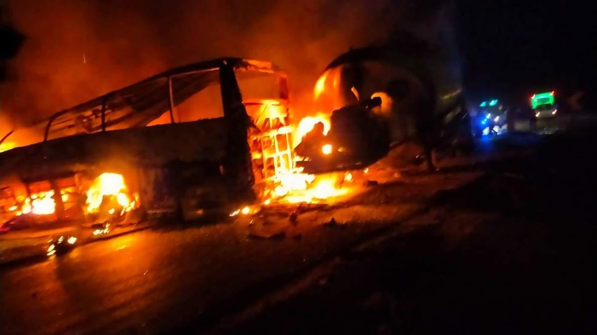 ДТП з автобусом у Єгипті 13 квітня 2021: 20 людей згоріли живцем