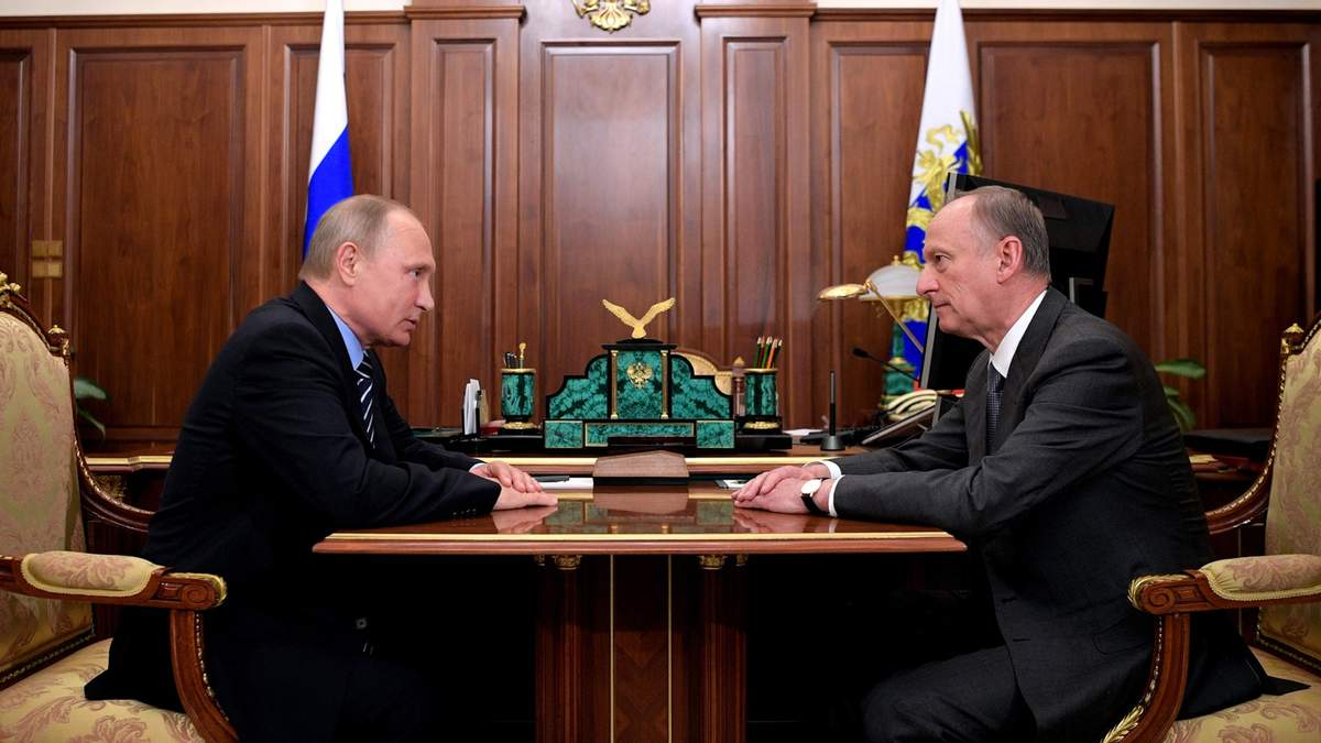 Секретарь Совбеза РФ Николай Патрушев и Владимир Путин
