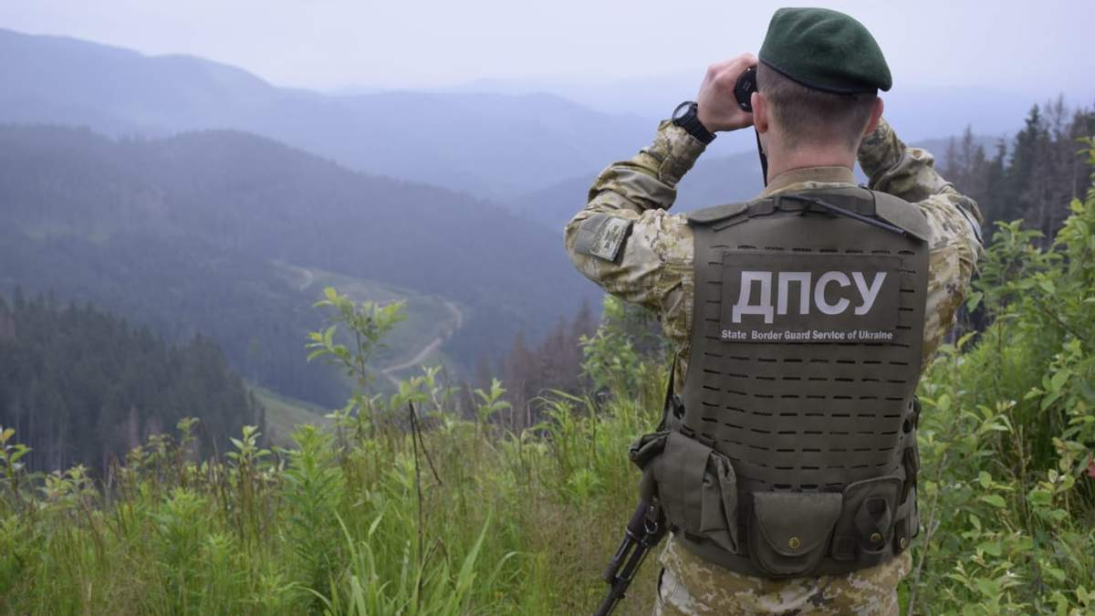 Українські прикордонники влаштували навчання на кордоні з Молдовою