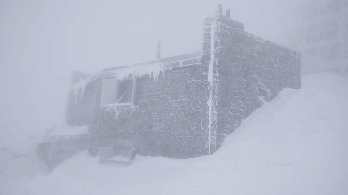 В Карпатах мороз до -8 градусов и угроза лавин