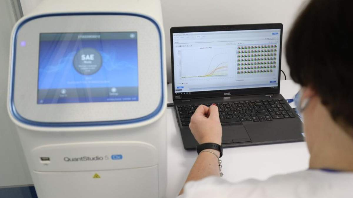 Коронавирус на Львовщине: опять более 1300 новых больных за сутки
