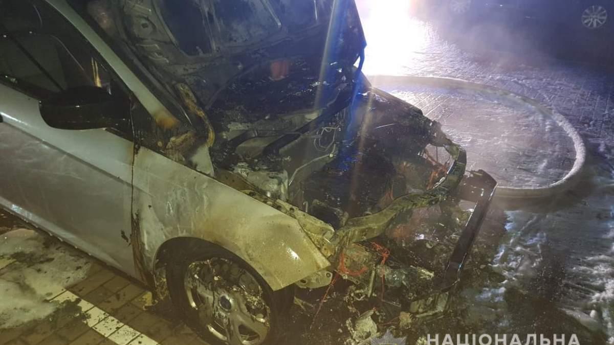 На Волині журналістці підпалили автомобіль