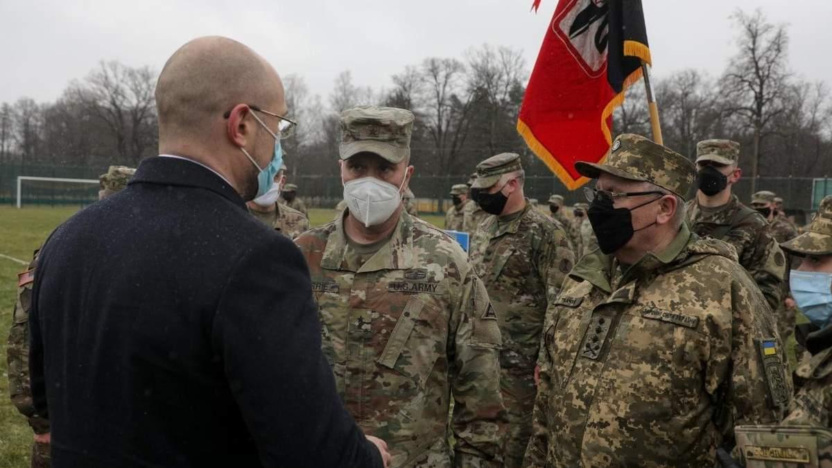 Шмыгаль поблагодарил военных НАТО за подготовку военнослужащих ВСУ