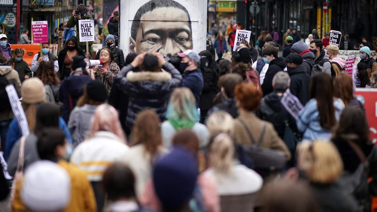 В США ожидают протестов из-за суда по делу об убийствах Флойда