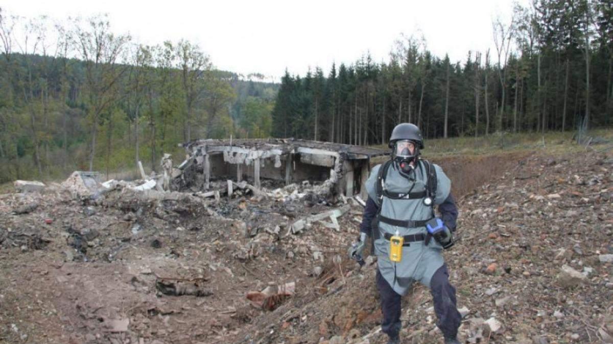 Боеприпасы из складов должны были взорваться в Болгарии - вицепремьер Чехии
