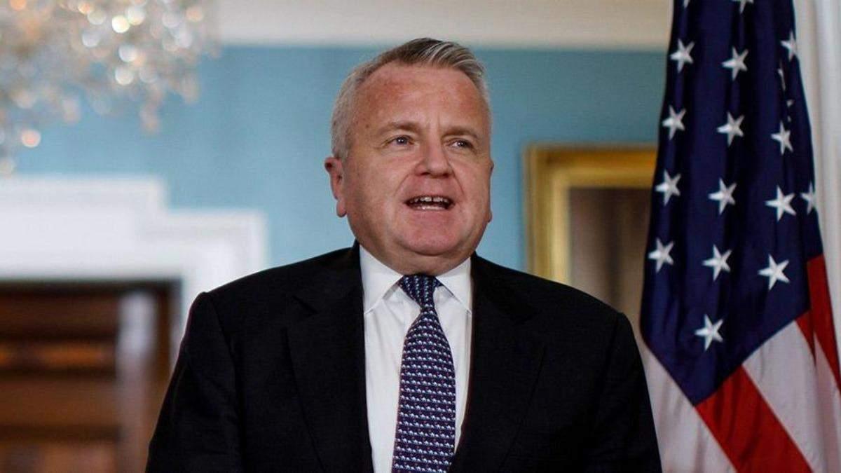 Посол США отказывался покинуть Россию, несмотря на просьбу Кремля