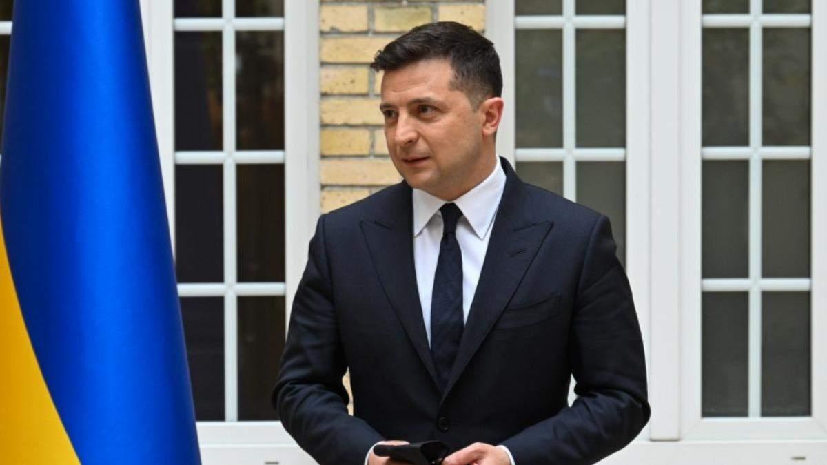 Зеленський закликав ФОПів подавати заявки для отримання 8 тисяч грн