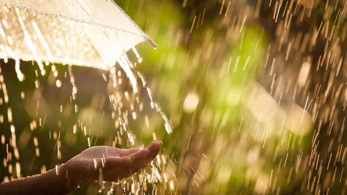 Прогноз погоди на 21 квітня: Україну накриють дощі, але буде тепло