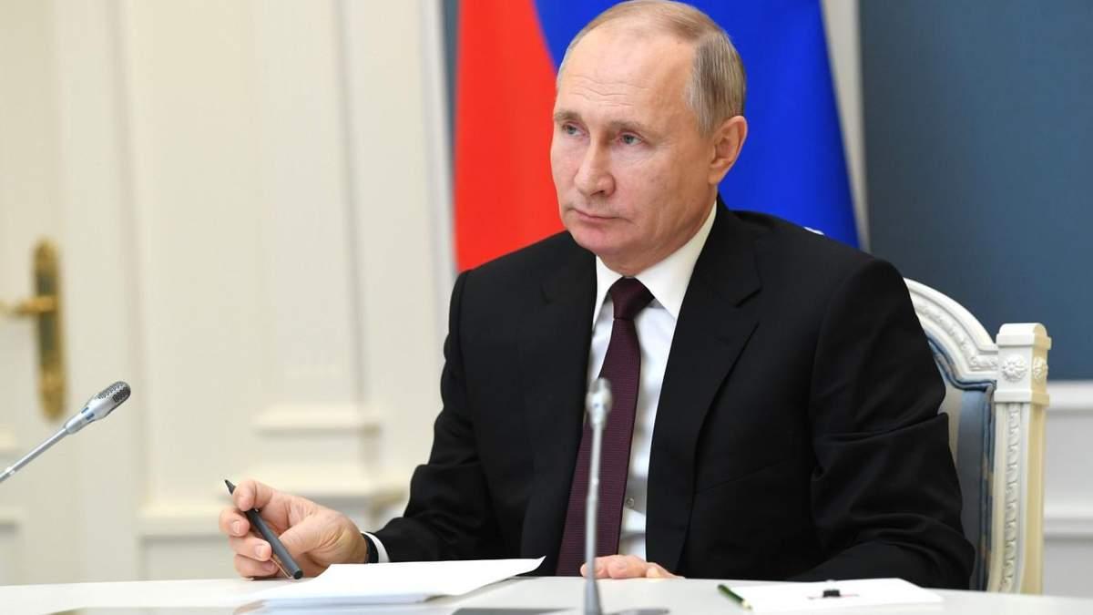 Президент Путін и диктатура в РФ
