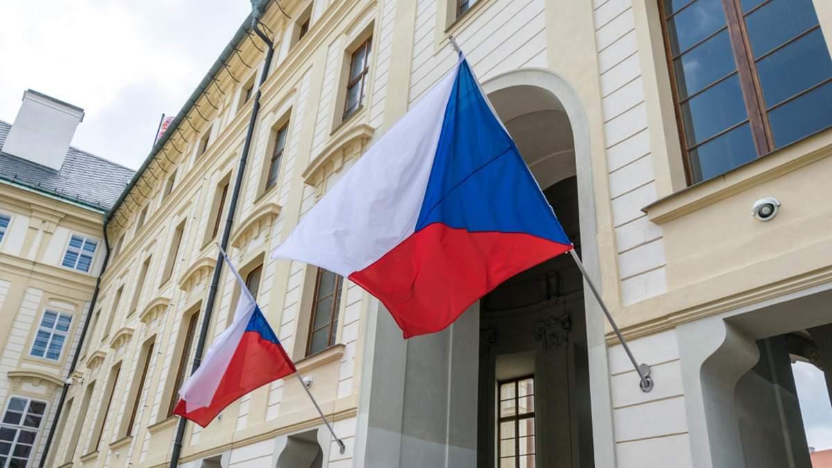 Чехия может выслать всех российских дипломатов из страны