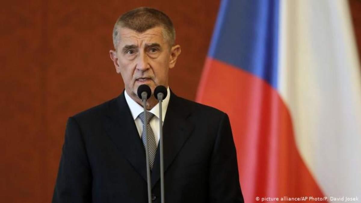 Премьер Чехии Бабиш извинился за слова о взрыве во Врбетице