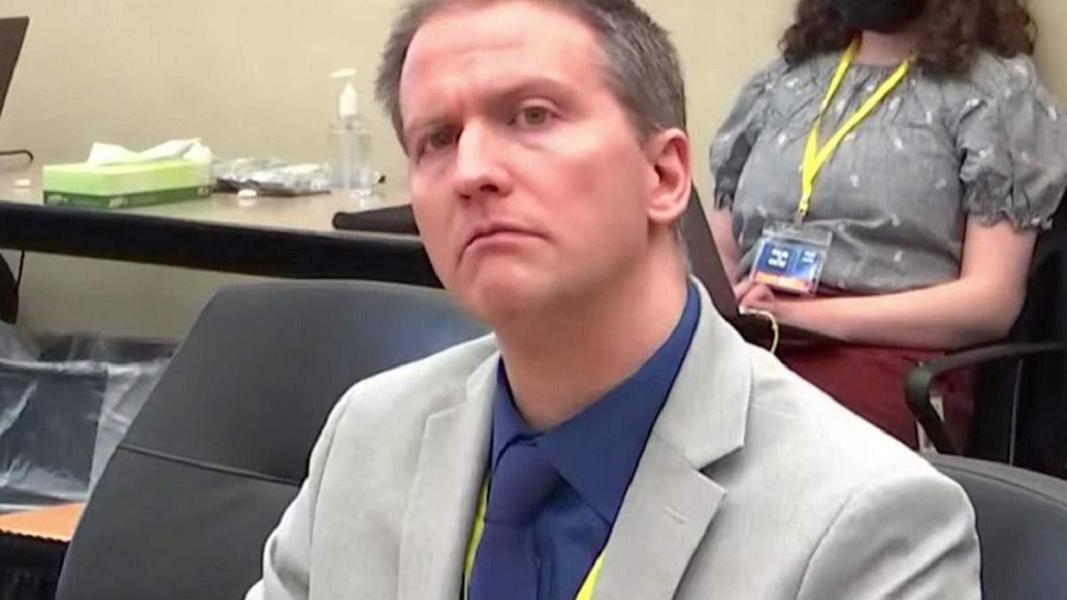 В США ексофицера Шовина признали виновным в убийстве Флойда
