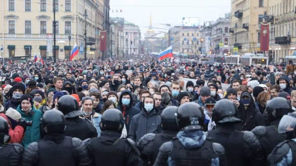 Спокійного правління у Путіна не буде, – Яковенко про протести