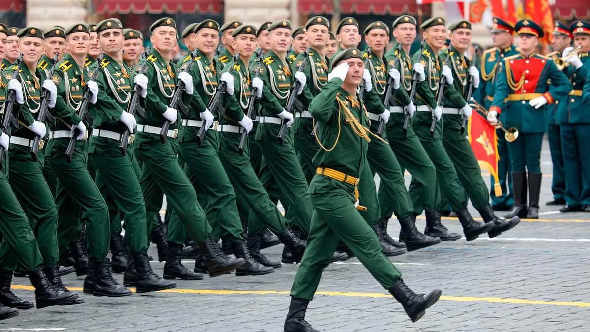Поручили оправдывать репрессии, – Казарин о роли 9 мая в России