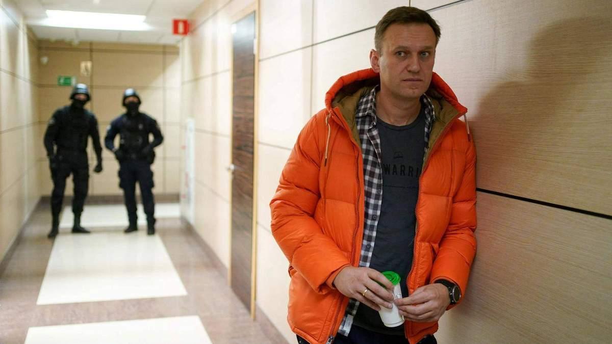 Навальный отреагировал на задержание в России: Страна сползает во мрак