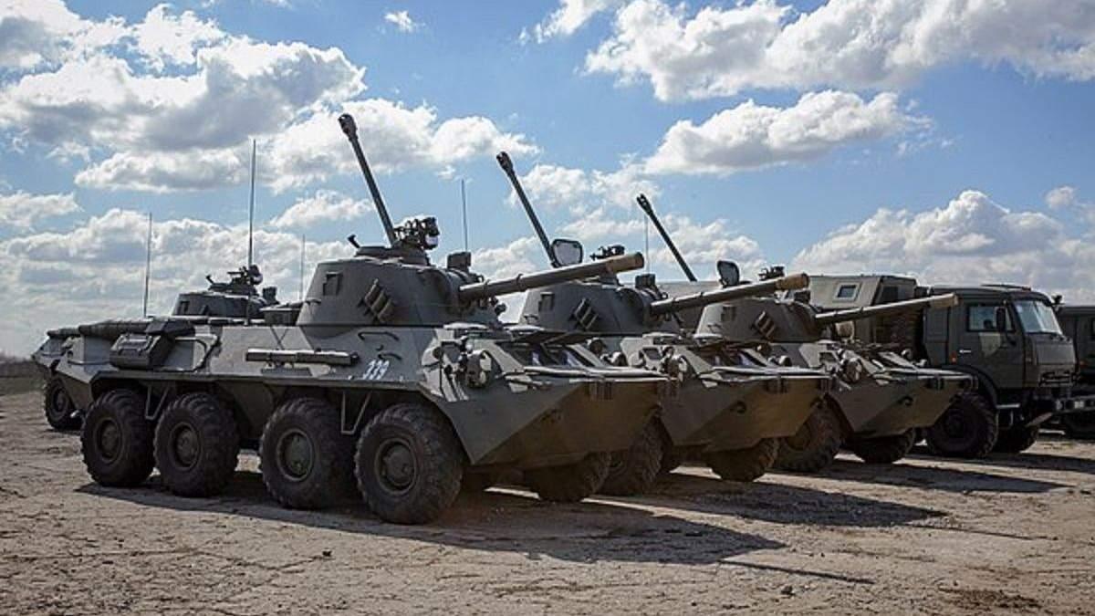Россия отводит войска от границы Украины, но оставляет технику