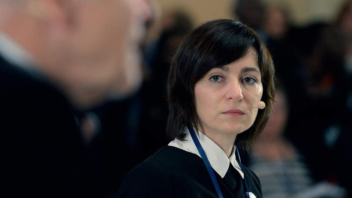 Санду і парламент Молдови звинувачують один одного в захопленні влади