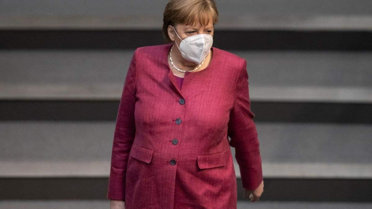 Ангела Меркель та нові проблеми