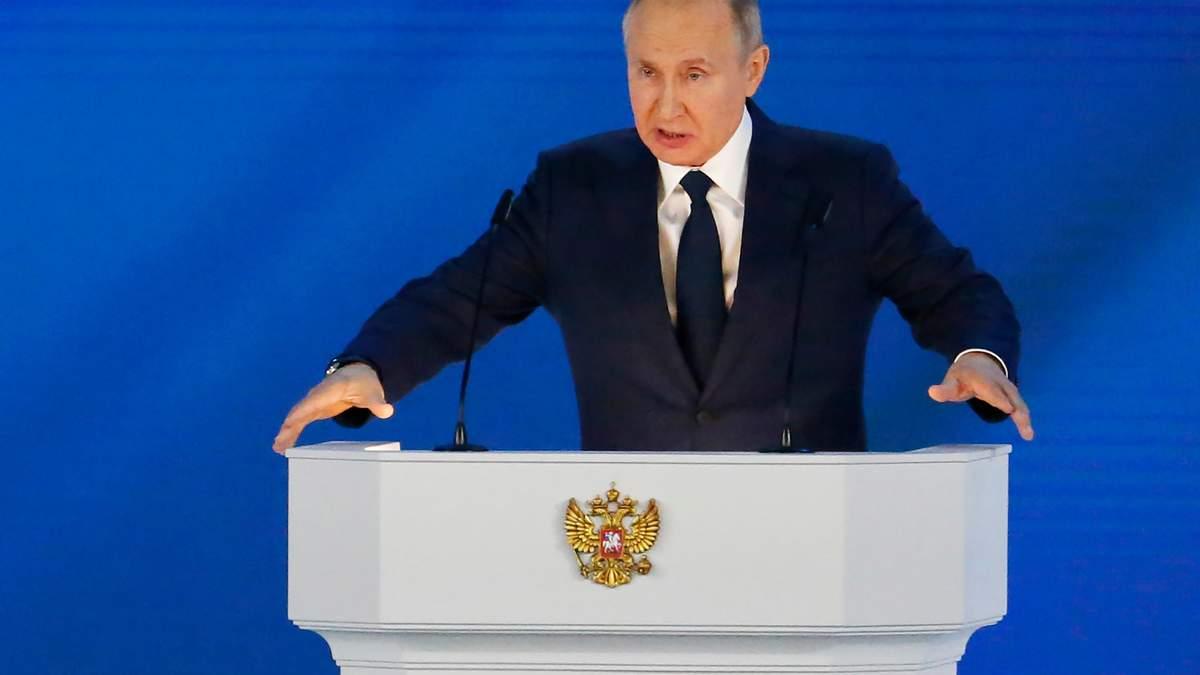 Путіну не по зубах Україна, тому він ухопився за Білорусь, – Шушкевич