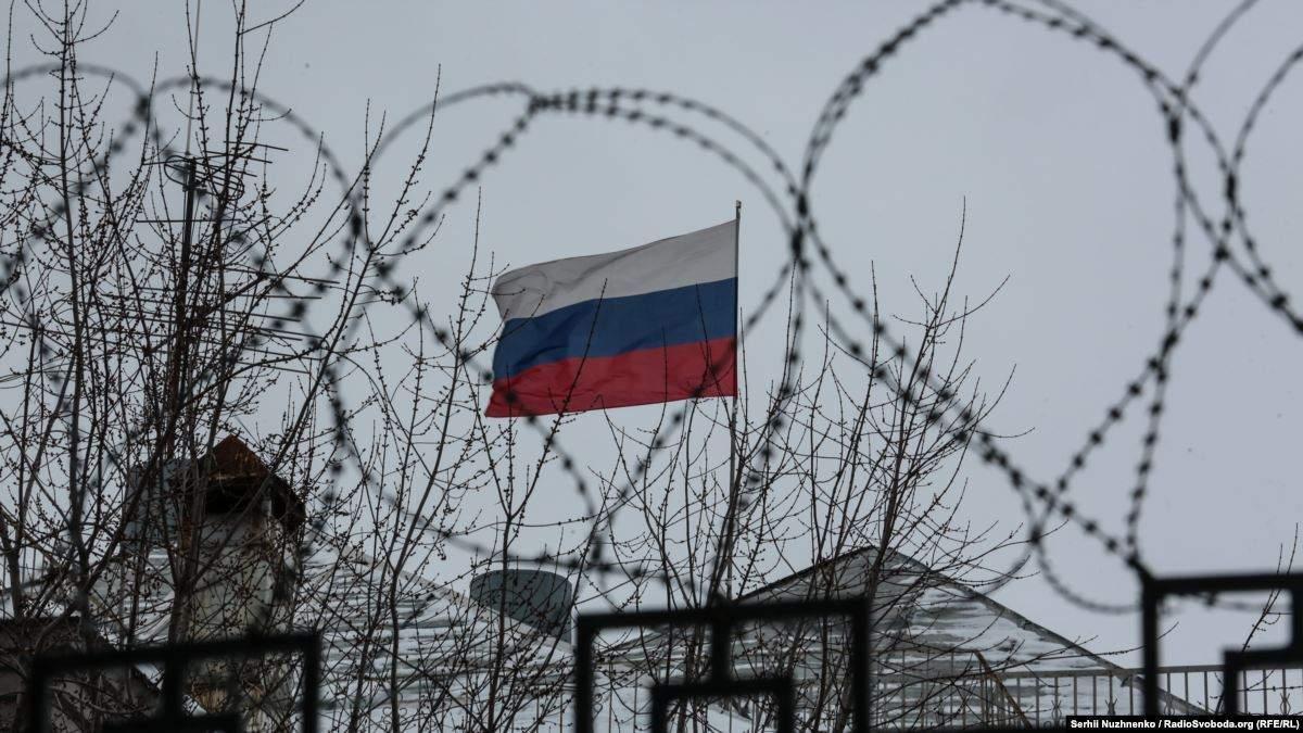 ЄС розкритикував Росію за рішення внести до іноземних агентів Meduza