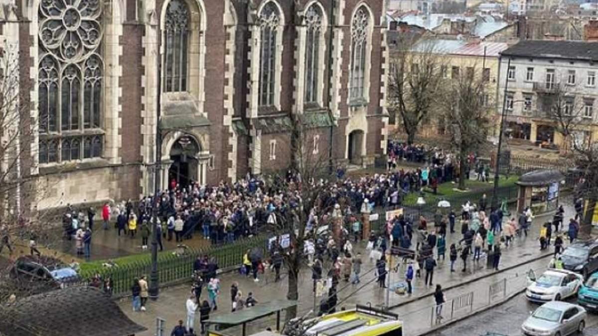 Святкування Вербної неділі: чи дотримуються українці карантину