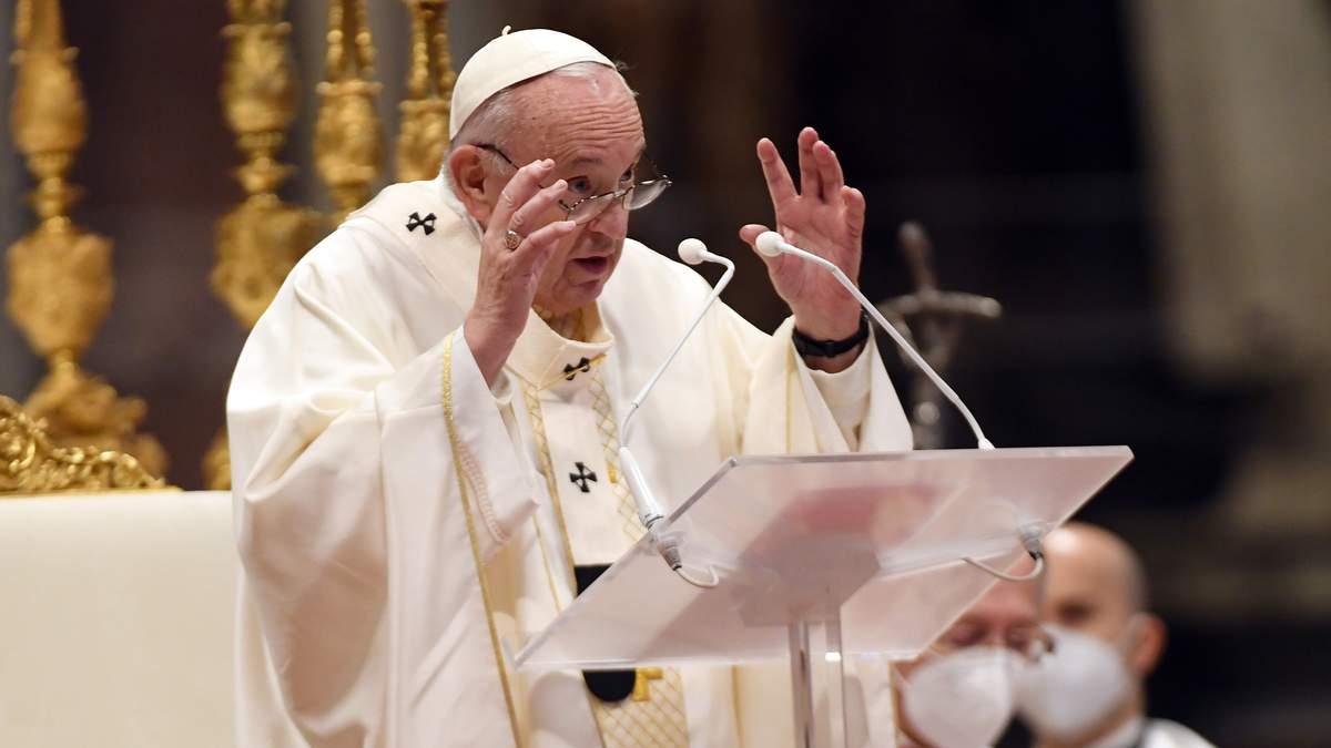 Момент сорому, – Папа Римський про смерть 130 людей у Середземномор'ї