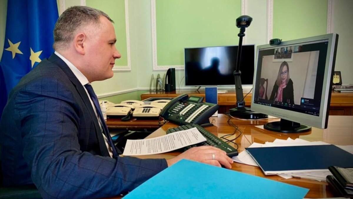 В ОПУ обговорили мілітаризацію Криму із радницею глави Словенії