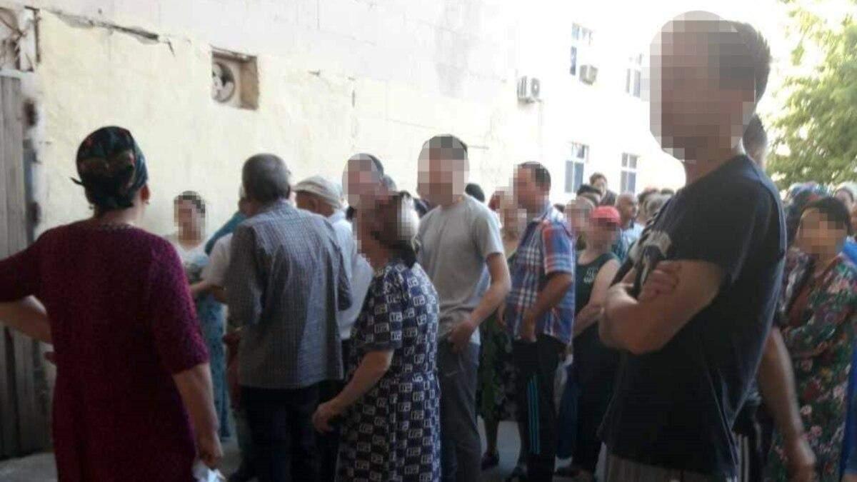 В Туркменистане запретили очереди за продуктами, людей задерживают