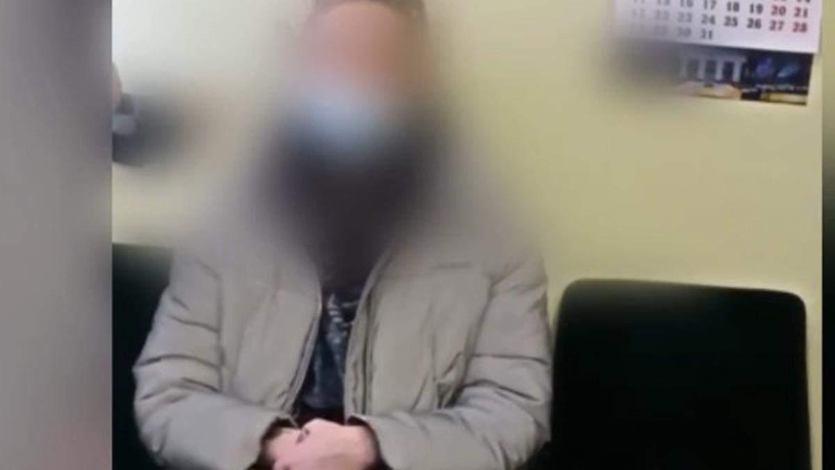 В Киеве поймали тех, кто курил в метро во время локдауна
