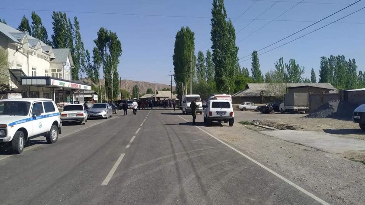 Таджикистан і Киргизстан відводять війська від кордону