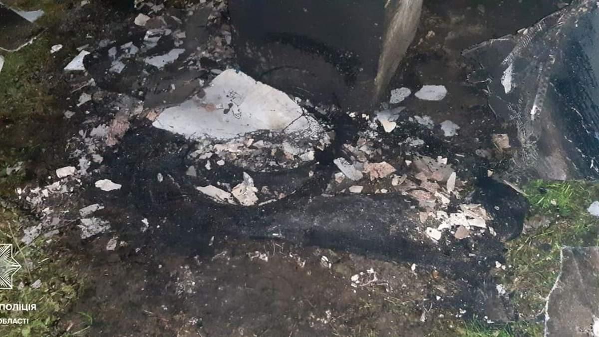 Пламенный сюрприз: во Львове мужчины сожгли львовянке балкон - фото