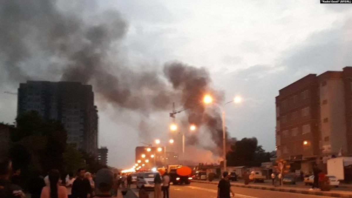 В Душанбе прогремел взрыв на АЗС 1 мая 2021: видео