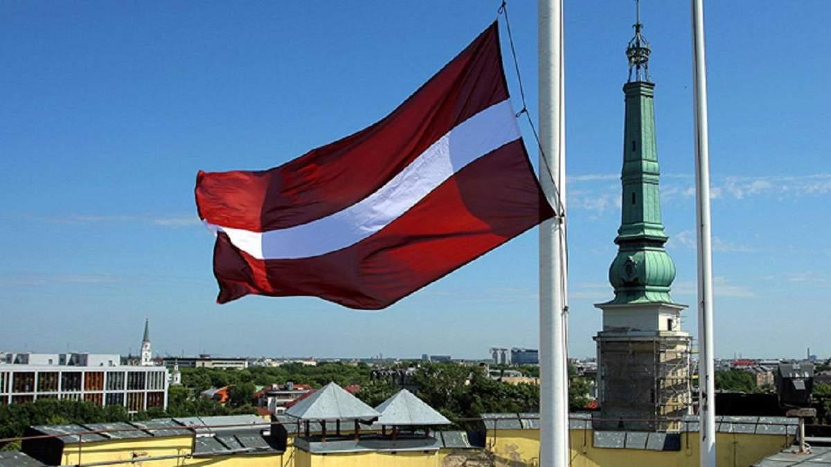 Тиск через мовну політику: Латвія прокоментувала санкції Росії