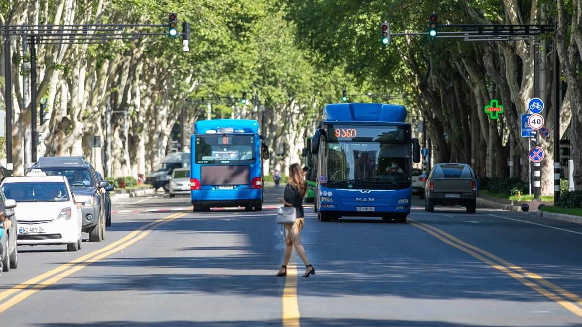 В Грузии остановили работу городских автобусов и метро