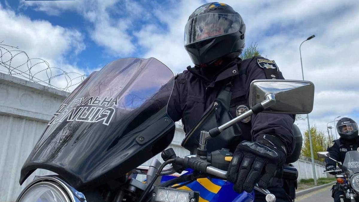 На улицы Киева выехал мотопатруль