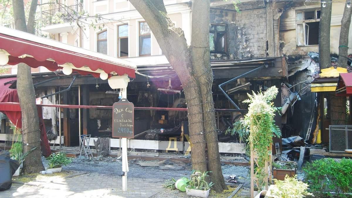 Пожежа у ресторані та готелі в Одесі: попередня причина займання