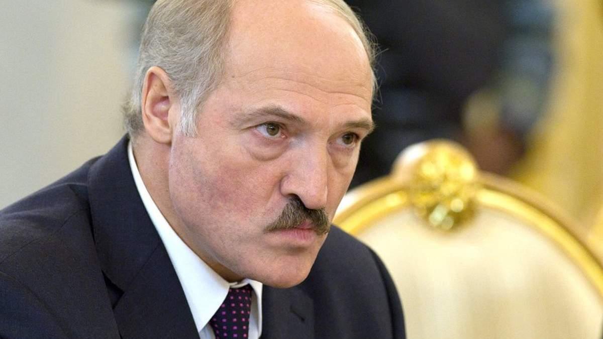 Лукашенко жалуется, что ЕС и США не помогли Беларуси против COVID-19